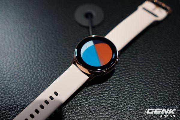 Cận cảnh Galaxy Watch Active: Chiếc smartwatch có thiết kế tinh tế nhất của Samsung - Ảnh 1.