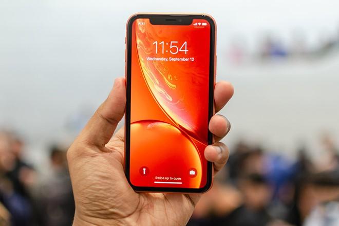 So sánh hai mẫu flagship giá tốt Samsung Galaxy S10E và iPhone XR - Ảnh 4.