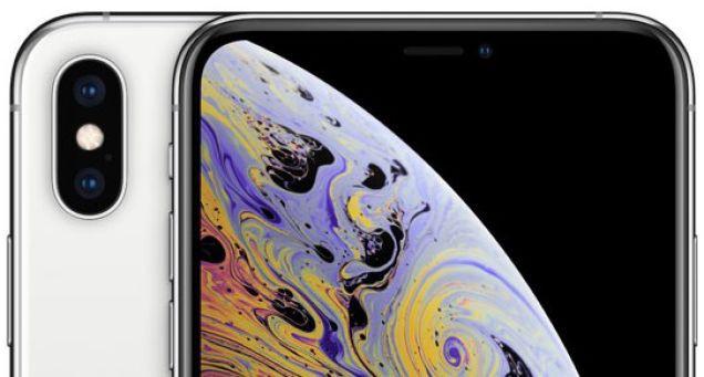 """Samsung khéo léo che đi """"nốt ruồi"""" trên màn hình Galaxy S10 bằng hình nền - Ảnh 2."""