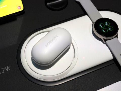 Tai nghe không dây giá chỉ 130 USD Samsung Galaxy Buds so đọ ra sao với Apple AirPods - Ảnh 2.