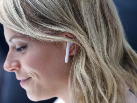 Tai nghe không dây giá chỉ 130 USD Samsung Galaxy Buds so đọ ra sao với Apple AirPods - Ảnh 7.