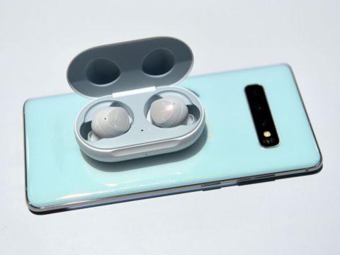 Tai nghe không dây giá chỉ 130 USD Samsung Galaxy Buds so đọ ra sao với Apple AirPods - Ảnh 4.
