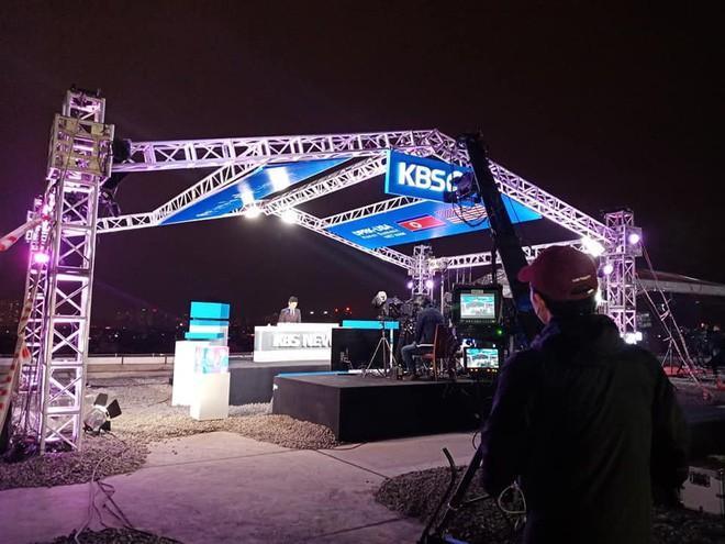 Không chỉ có MBC News, nhiều hãng thông tấn quốc tế cũng chọn được những địa điểm chất không kém ở Hà Nội để dẫn bản tin thời sự - Ảnh 5.