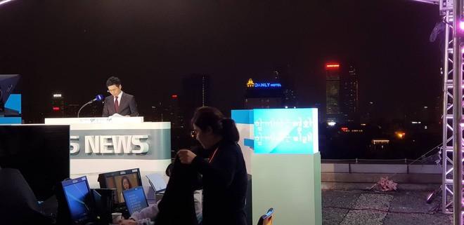 Không chỉ có MBC News, nhiều hãng thông tấn quốc tế cũng chọn được những địa điểm chất không kém ở Hà Nội để dẫn bản tin thời sự - Ảnh 7.