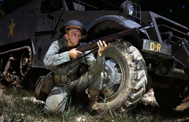 Mũ bảo hiểm của người lính xuyên suốt hai cuộc chiến tranh thế giới khác nhau như thế nào? - Ảnh 7.