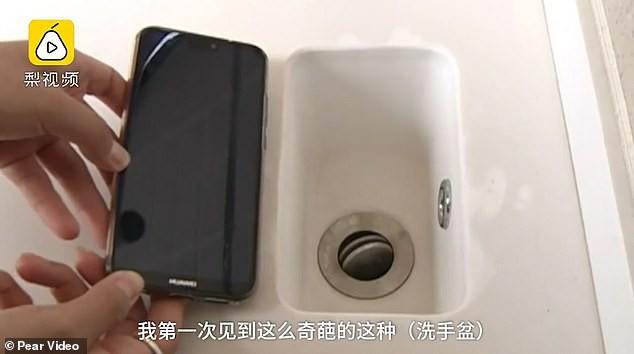 Chi nhiều tỷ mua nhà xịn, người đàn ông Trung Quốc được ngay bồn rửa mặt bé như smartphone - Ảnh 3.