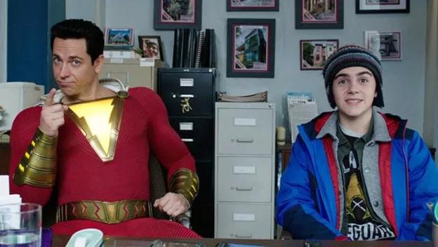 Shazam sở hữu siêu năng lực khủng khiếp như thế nào mà dân tình đồn đại mạnh hơn cả Superman? - Ảnh 3.