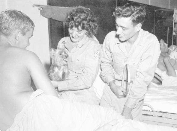 Những người lính bốn chân: Smoky, bác sĩ trị liệu tâm lý của Thế Chiến thứ Hai - Ảnh 3.