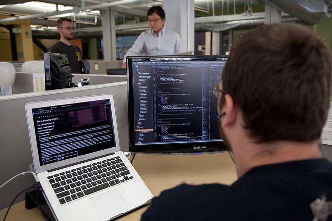 Apple tuyển ngày càng nhiều kỹ sư phần mềm và đây là tín hiệu rất đáng mừng - Ảnh 1.