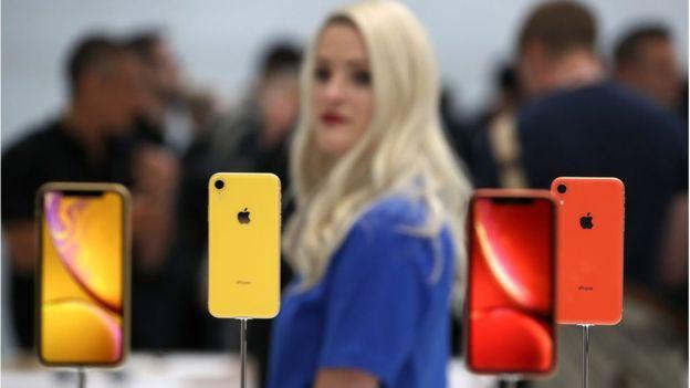 Phụ nữ chiếm 50% dân số nhưng thế giới này lại không được thiết kế dành cho họ, cứ nhìn iPhone và 6 ví dụ sau là rõ - Ảnh 6.