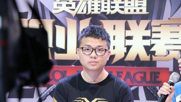 Lần đầu tiên trong lịch sử 2 gamer Trung Quốc sang Việt Nam đầu quân, nhận mức lương trăm triệu - Ảnh 1.