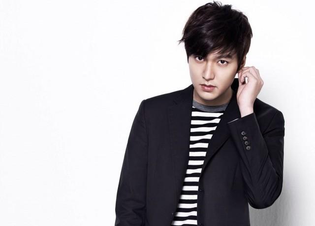 LMHT: Đăng clip đi chơi cùng Bang và Huni, nam idol của Super Junior hiện nguyên hình fan cứng SKT - Ảnh 4.