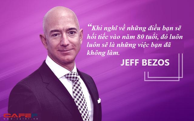 Tỷ phú giàu nhất thế giới Jeff Bezos: Khi 80 tuổi, tôi chắc chắn sẽ không hối hận vì những gì đã thử trong đời - Ảnh 1.