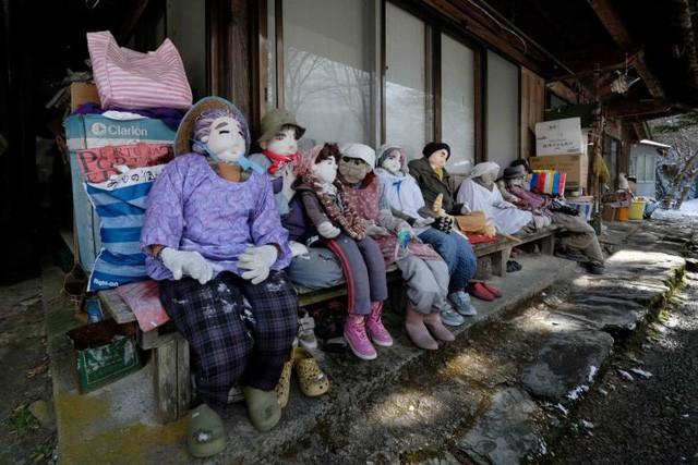 Thung lũng búp bê Nhật Bản: Ngôi làng có bù nhìn nhiều hơn người - Ảnh 4.