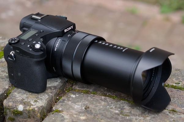 Smartphone nhỏ gọn mà có 3, 4 camera sau nhưng tại sao các nhiếp ảnh gia vẫn chỉ dùng 1 máy ảnh duy nhất? - Ảnh 4.