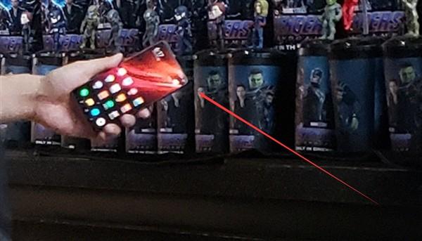 Tổng giám đốc Redmi cầm flagship Redmi giá rẻ dùng chip Snapdragon 855 đi xem Avengers: Endgame? - Ảnh 2.