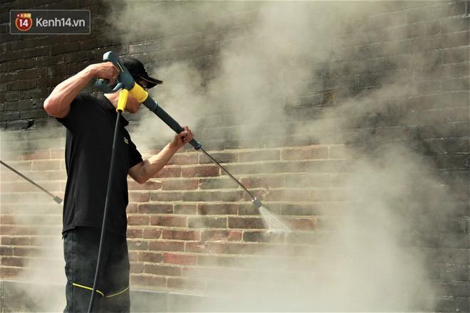 Steam Cleaning - công nghệ dùng để làm sạch tường Đại Nội Huế cho thấy sức mạnh của nước có thể lớn đến mức nào - Ảnh 3.
