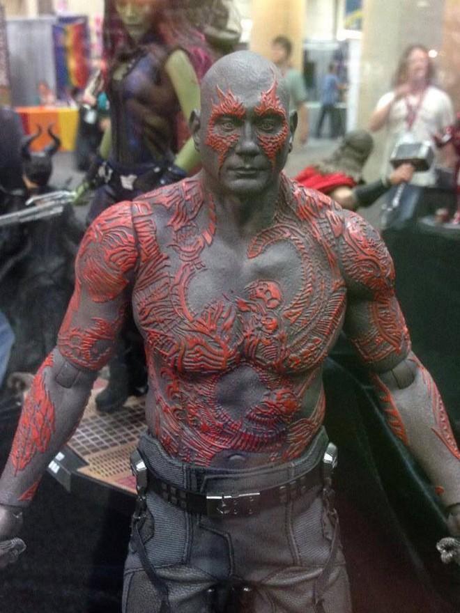 Nhan sắc thật sau lớp hóa trang của dàn sao Avengers bị giấu mặt: Thanos không gây bất ngờ bằng số 4, 5 - Ảnh 14.