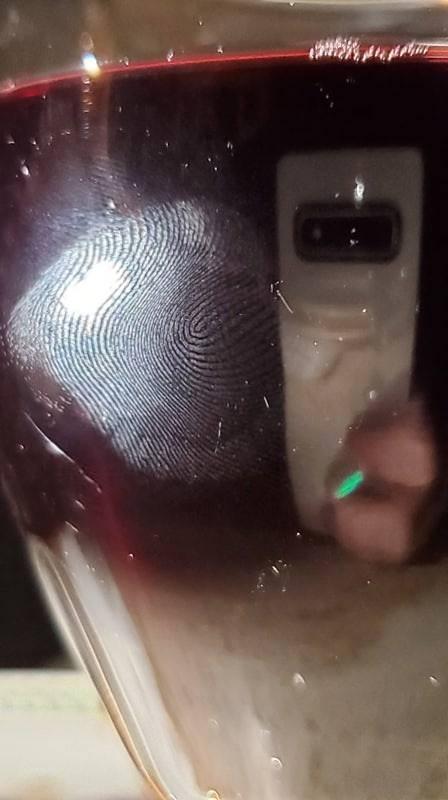 Cảm biến vân tay siêu âm của Galaxy S10 đã bị hack như thế nào? - Ảnh 1.