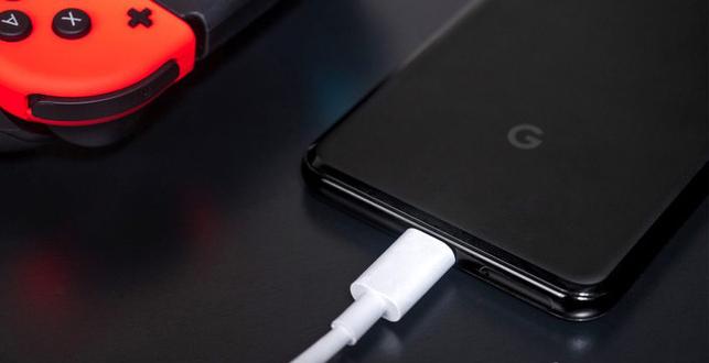 Đưa giắc cắm tai nghe 3,5 mm trở lại, Google có phải đang muốn giương cao ngọn cờ chống lại Apple? - Ảnh 2.