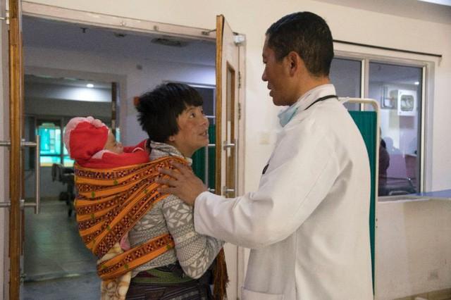 Chuyện ở Bhutan: Thủ tướng trở thành bác sĩ phẫu thuật mỗi cuối tuần - Ảnh 2.