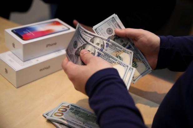Doanh số iPhone tăng nhẹ tại Trung Quốc, có thể giảm trong tháng 5 vì bị ảnh hưởng bởi cuộc chiến thương mại Mỹ - Trung - Ảnh 1.