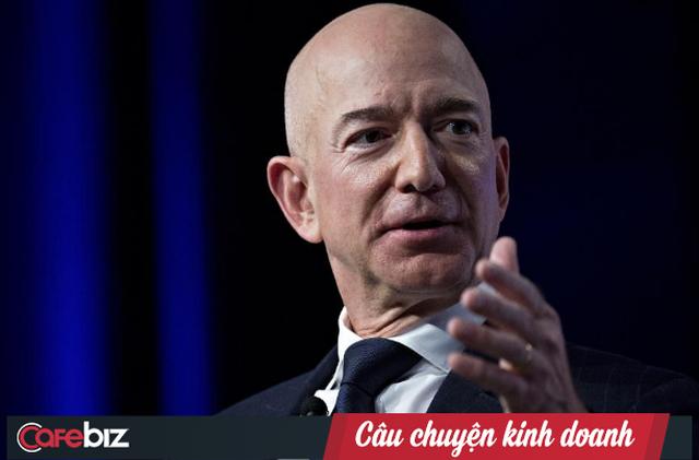 Thăng hạng vượt bậc, Amazon vừa soán ngôi Walmart trở thành nhà bán lẻ lớn nhất hành tinh - Ảnh 1.