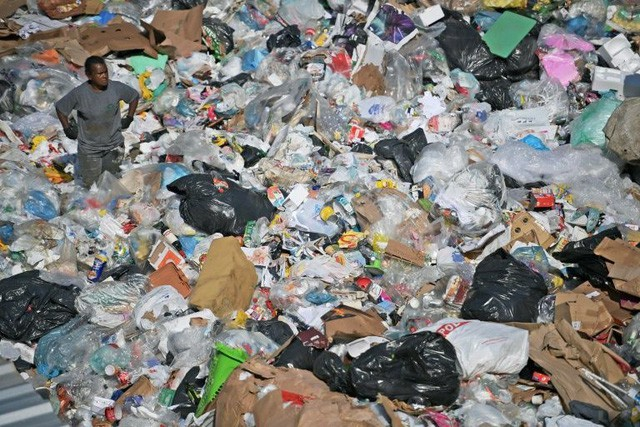 Chuyện ở quốc gia thải nhựa nhiều thứ 4 thế giới: Gần như không tái chế gì - Ảnh 3.