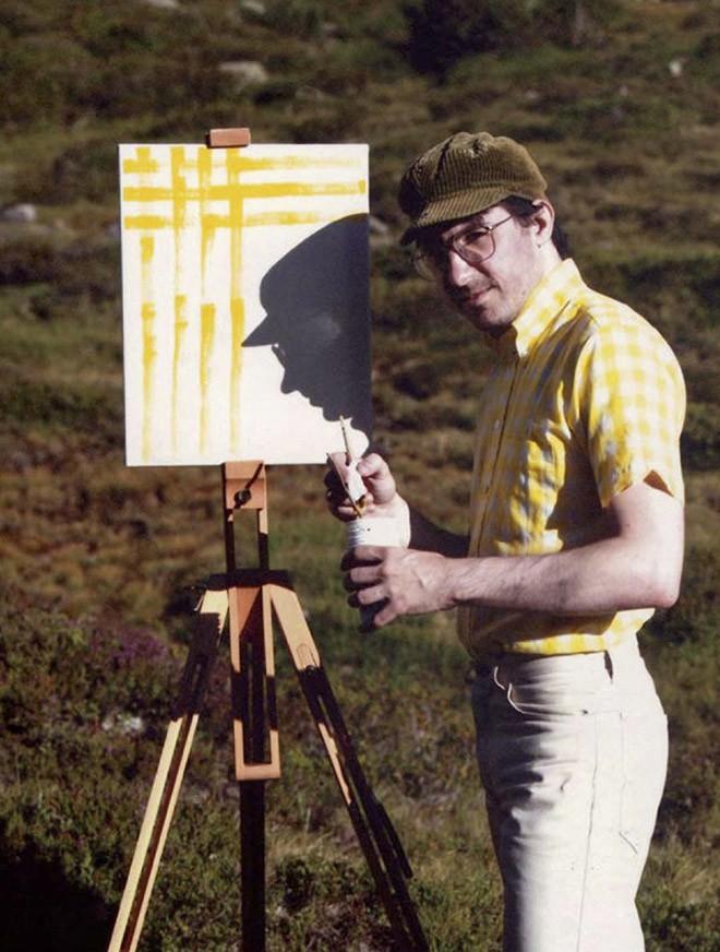 Góc rảnh rỗi: Anh họa sĩ chuyên đến điểm du lịch nổi tiếng chỉ để vẽ lại họa tiết trên áo mình - Ảnh 12.
