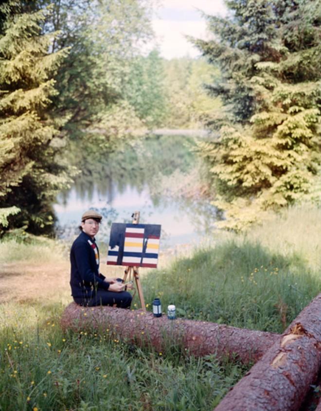 Góc rảnh rỗi: Anh họa sĩ chuyên đến điểm du lịch nổi tiếng chỉ để vẽ lại họa tiết trên áo mình - Ảnh 17.