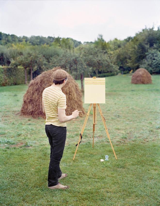 Góc rảnh rỗi: Anh họa sĩ chuyên đến điểm du lịch nổi tiếng chỉ để vẽ lại họa tiết trên áo mình - Ảnh 4.