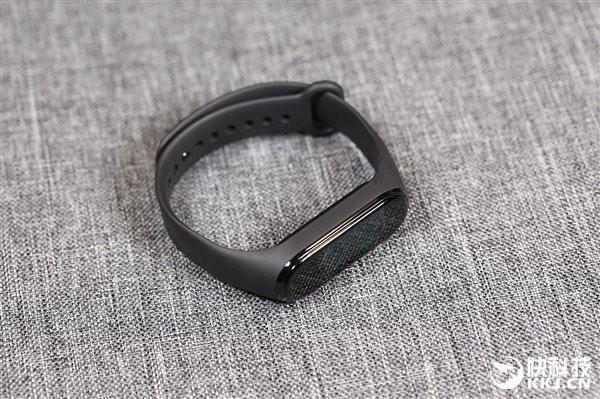 Cận cảnh thiết kế và tính năng của Xiaomi Mi Band 4 - Ảnh 8.