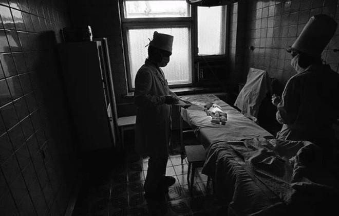 Từ vùng đất ma không ai dám bén mảng, nhà máy điện hạt nhân Chernobyl bỗng hóa xứ sở thần tiên đẹp lịm tim qua lăng kính của nhiếp ảnh gia - Ảnh 1.