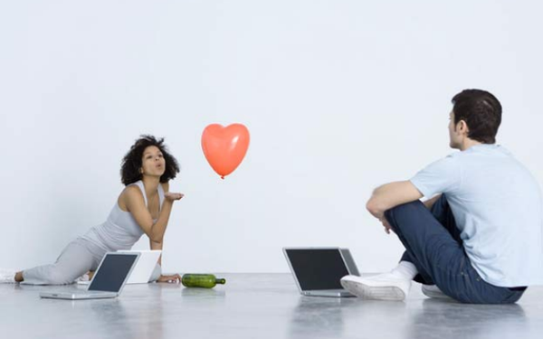 Nghiên cứu của ĐH Harvard: Người dùng ứng dụng hẹn hò trực tuyến như Tinder có nguy cơ rối loạn ăn uống cao gấp 16,2 lần, hẹn hò thôi mà sao khổ thế này? - Ảnh 1.
