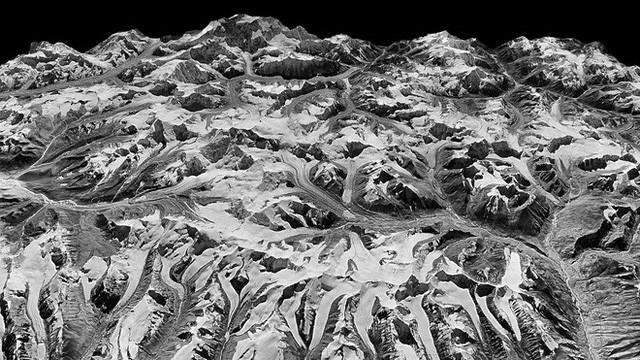 Vệ tinh gián điệp phát hiện bất thường ở dãy Himalaya, cảnh báo tai họa cho gần 1 tỉ người - Ảnh 2.