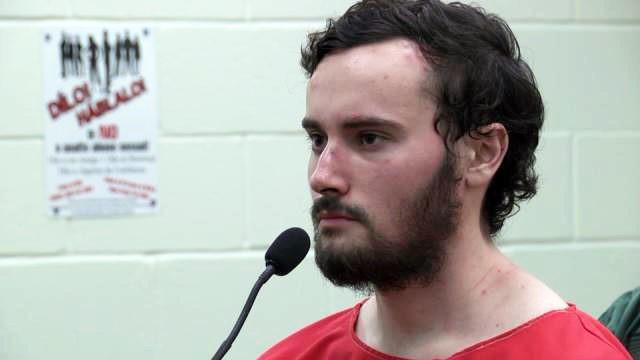 Đắng lòng thanh niên 22 tuổi sát hại mẹ ruột, thừa nhận bị ám ảnh bởi Youtube - Ảnh 1.