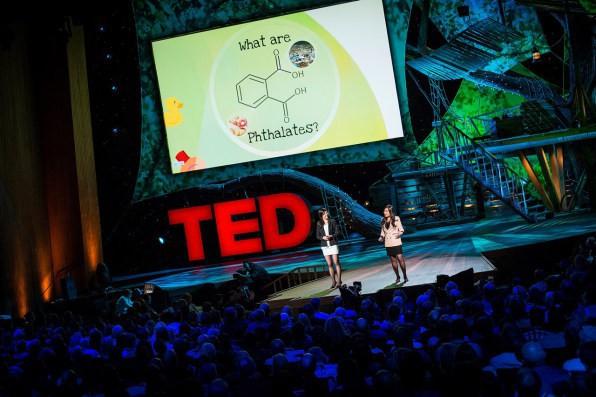 Cuộc cách mạng môi trường được thế giới mong chờ: Nhựa sẽ có thể được tái chế thành CO2 và nước - Ảnh 3.
