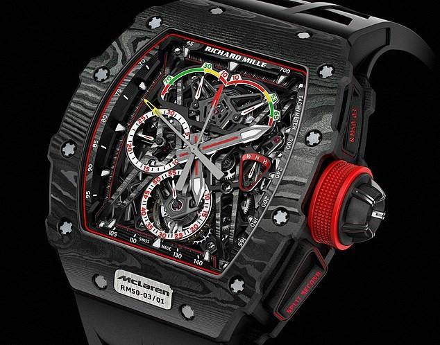 Du khách Azerbaijan bị cướp mất đồng hồ Richard Mille 29,5 tỷ giữa thanh thiên bạch nhật ở Ibiza - Ảnh 1.