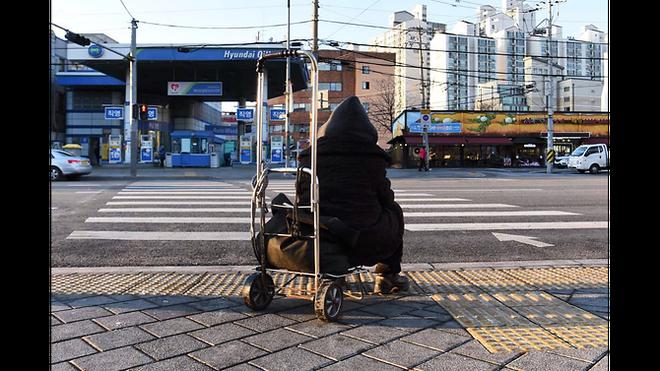 Từ bộ phim Ký sinh trùng đến đời thực ở Hàn Quốc: Thực tế lạnh lùng và đau xót hơn phim ảnh (P.2) - Ảnh 8.