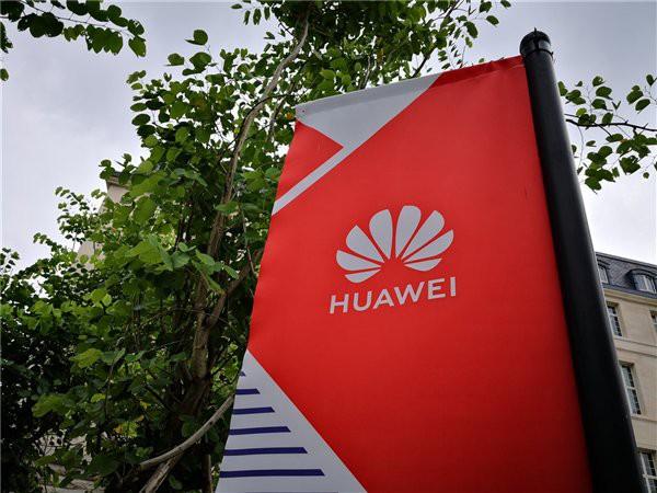 Huawei cắt giảm đơn đặt hàng, chưa xác định có thể lật đổ Samsung vào năm 2020 hay không - Ảnh 1.