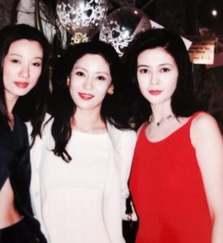 Quyền lực đáng sợ của bà trùm giải trí Hong Kong: Giải cứu Lý Liên Kiệt, muốn giết Châu Tinh Trì - Ảnh 2.
