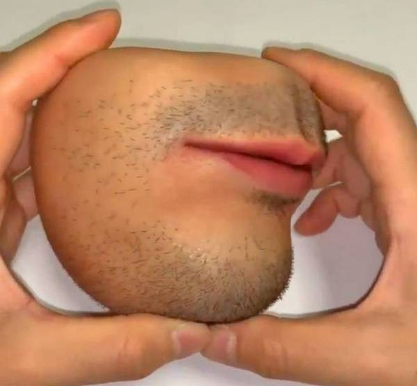 Chiếc ví tiền hình miệng người này sẽ khiến bạn không khỏi giật mình mỗi lần lấy tiền - Ảnh 2.