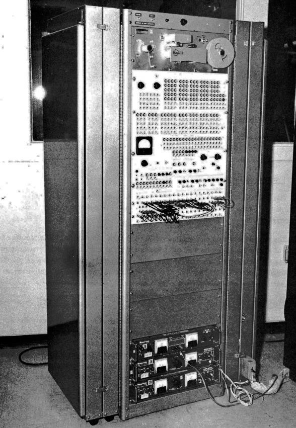 Thanh niên dùng máy tính từng đưa con người lên Mặt Trăng để đào Bitcoin, không hiểu đến kiếp nào mới được 1 BTC - Ảnh 1.