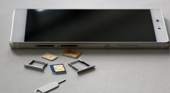 Tại sao trong phim các điệp viên thường phá hủy thẻ SIM trước khi vứt điện thoại? - Ảnh 1.