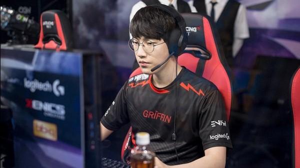 LMHT: Chiếm giữ 4/5 vị trí trong top 5 Thách đấu Hàn, thành viên team Griffin vẫn bị troll sấp mặt - Ảnh 1.