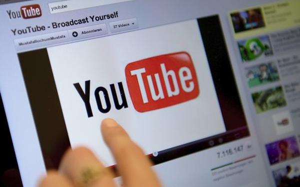 Một nửa số tiền quảng cáo trên YouTube rơi vào các clip nội dung xấu độc, nhảm nhí - Ảnh 1.