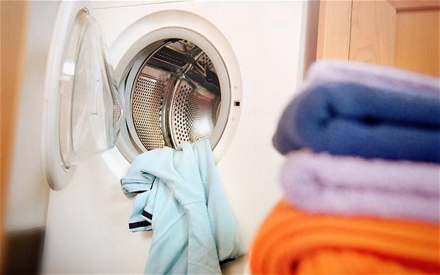 Điều gì sẽ xảy ra nếu bạn mặc ngay quần áo mới mua mà không giặt? - Ảnh 2.