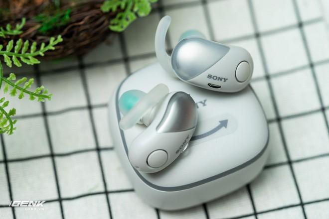 Đánh giá chi tiết tai nghe true-wireless WF-1000xm3: Muộn còn hơn là không bao giờ - Ảnh 2.