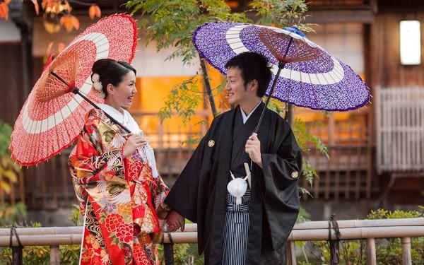 Một Nhật Bản rất khác: Mang tiếng là nước giàu nhưng cánh đàn ông còn chẳng đủ tiền để lấy vợ - Ảnh 1.