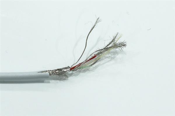 Giải phẫu cáp sạc iPhone hàng giả và hàng xịn, đừng bao giờ tiếc tiền cho phụ kiện công nghệ này - Ảnh 11.